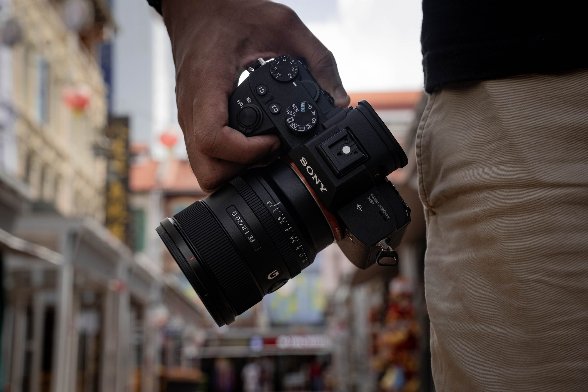 An Alpha full-frame body matches perfectly with the SEL20F18G.