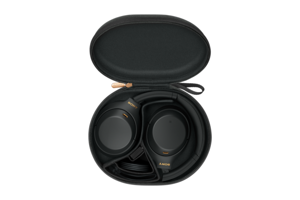 WH-1000XM4 in carrying case with cable
