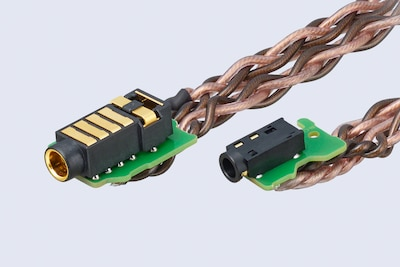 4.4-mm and 3.5-mm balanced connections